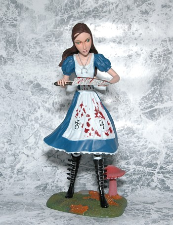 Femme Fatales: Alice Madness Returns PVC Statue正面